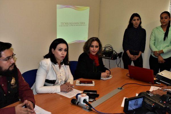 Presenta el DIF de Parral, proyecto de cómputo para Adultos Mayores