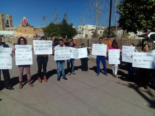 Se manifiestan militantes del PAN a las afueras de las instalaciones del partido