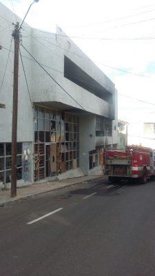 Incendio en el local abandonado de la calle Francisco Villa del Centro