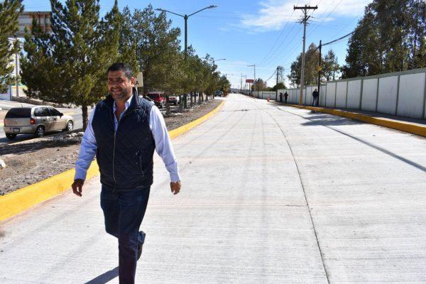 Realiza Alcalde Alfredo Lozoya recorrido por obra de la Niños Héroes.