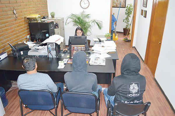 Vigilancia policiaca a empleados agredidos