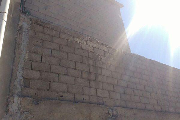 A punto de colapsar pared de tienda comercial  en el Boulevard Ortiz Mena