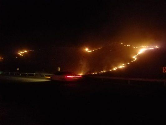 Gran incendio de pasto cerca de la col. Héroes