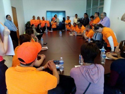 [Video y Galería] Sostienen reunión maestros con recaudadora de rentas