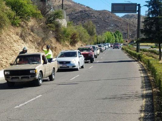 Caravana de maestros recorre la ciudad