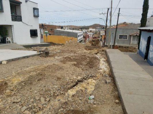 Nuevamente se presenta fuga de agua en la calle Venezuela