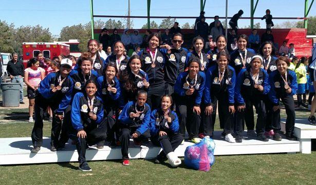 Histórico bronce de Parral en Olimpiada Estatal de futbol femenil
