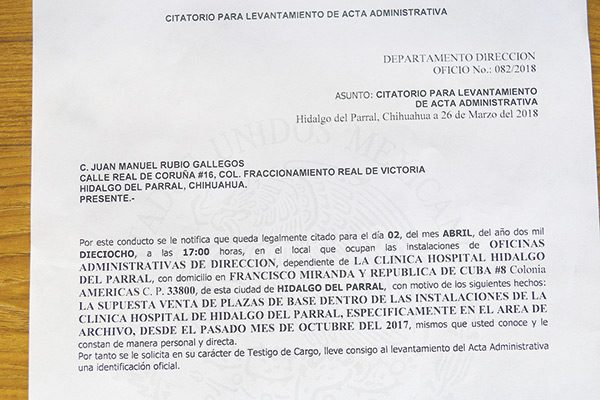 Acta administrativa a Carlos Aragón en Issste