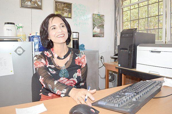 Escritora parralense expondrá en Colombia