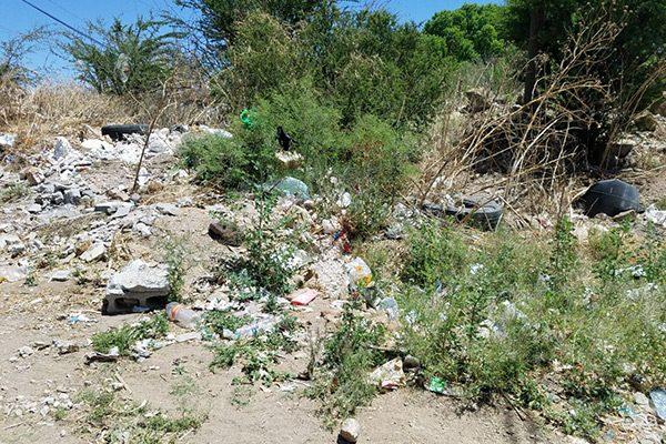 Vecinos afectados por aguas estancadas