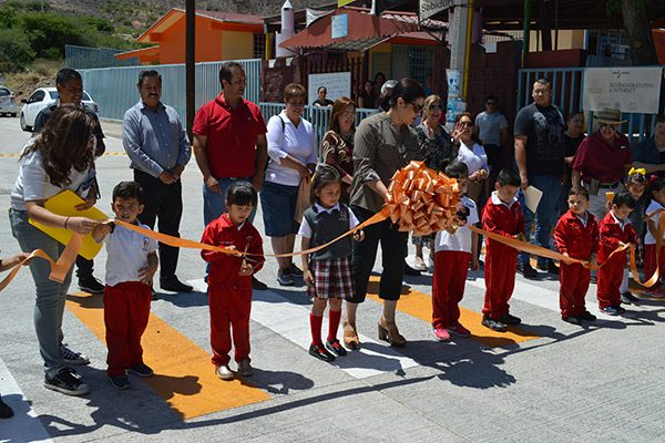 Vecinos ponen en marcha la primera  etapa de pavimentación en la calle Venezuela