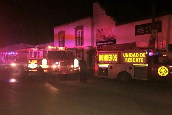 """Corto circuito provoca  incendio en bar """"El Retiro"""""""
