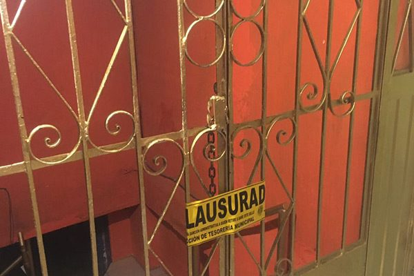 """Clausuran bar """"El Castillo"""" por trabajar fuera de horario establecido"""