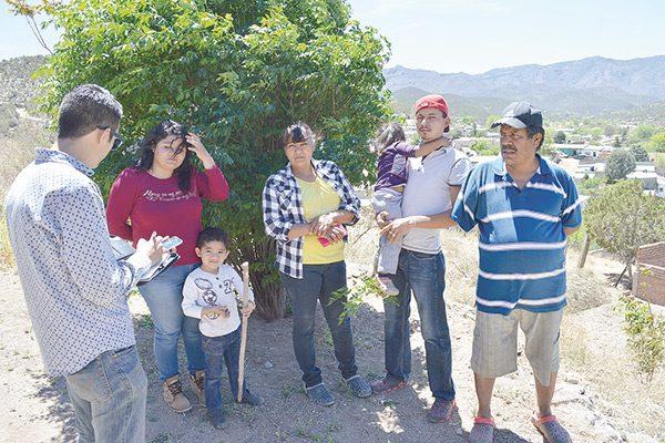 Falta de servicios básicos a 15 familias de las calles Lizalde y 2 de abril