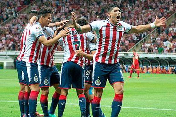 ¡Reina el gigante! Chivas gana la Concachampions en penales