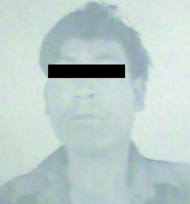 Hombre indígena golpeaba a su esposa frente a sus hijos
