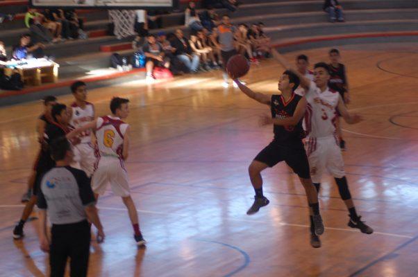 Se enfilan a playoffs Mineritos de  Parral en la LEB-SUB 18