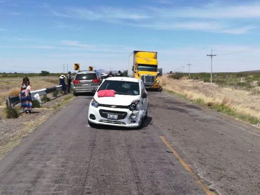 Impactan vehículos en la rúa Jiménez- Gómez Palacio