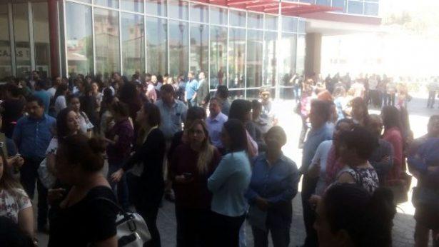 Evacuan edificio de Gobierno; un menor activó la alarma contra incendios