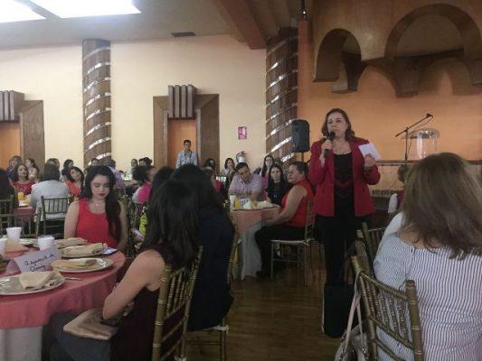 Más de mil Mujeres se Reúnen con Graciela Ortiz en Parral