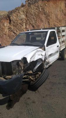 Aparatosa colisión en el perimetral norte deja daños materiales en dos automotores