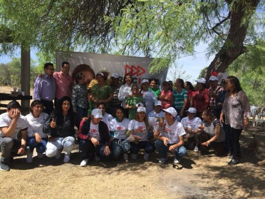 Habitantes de Satevó le abren las puertas a Graciela Ortiz