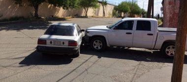Omite alto y causa accidente, en la Morelos
