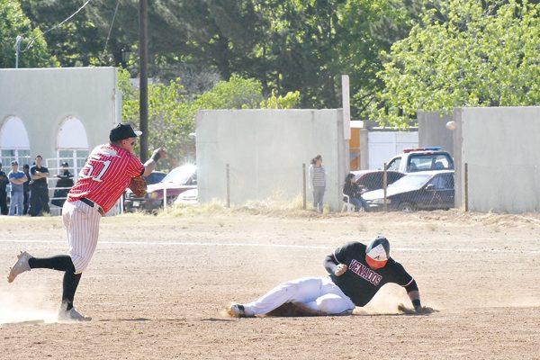 Playbol a la final de la Liga Regional de Beisbol