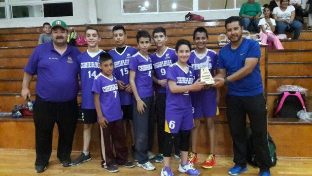 Escuela Varonil y Cobras, los campeones del voleibol municipal