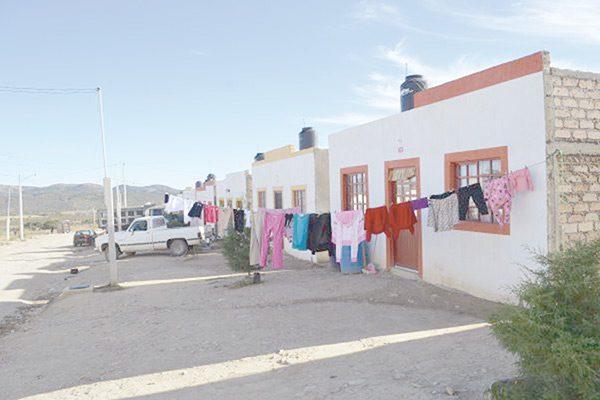Detectan 30 casas con dos dueños en Parral Vive