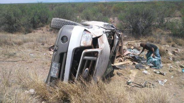 Vuelca vehículo en la carretera Gomez Palacio- Jiménez