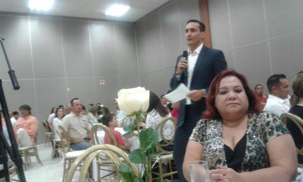 Presentan la plataforma política del Ingeniero José Luis Martinez