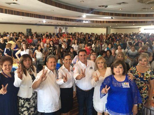 Profe Parga y candidatas de la coalición por chihuahua al frente se reúnen con 700 mujeres