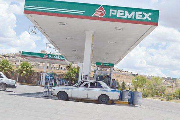Venden gasolina  ilegal hasta en $5 menos