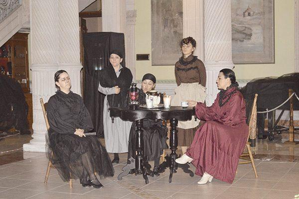 """Gran éxito la presentación de """"La Casa de Bernarda"""""""
