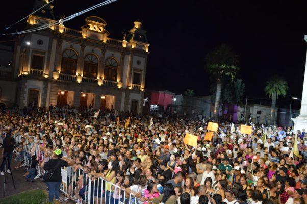 Cierre de campaña del candidato Independiente Alfredo Lozoya frente al Teatro Hidalgo