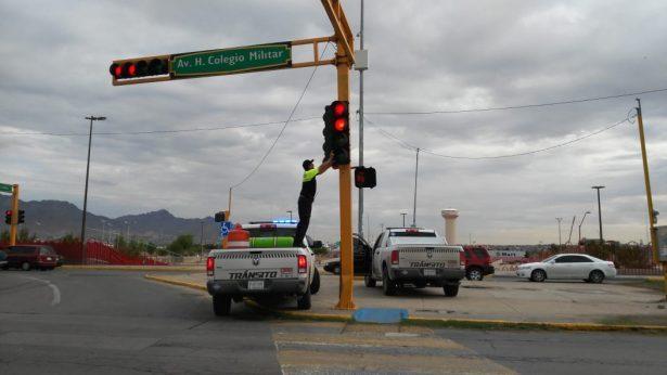 Realiza Tránsito operativo tras estragos por la lluvia; En Ciudad Juarez