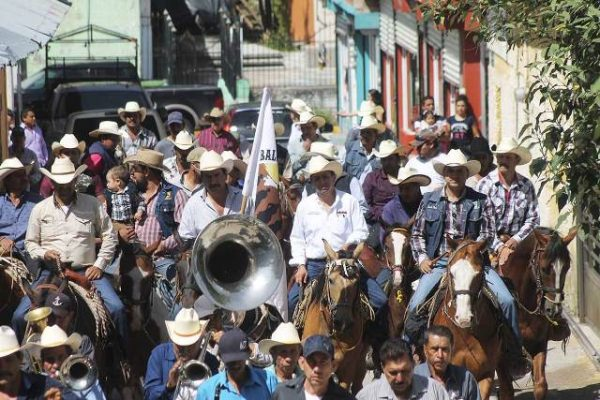 Parte cabalgata de Guadalupe y Calvo a Parral para unirse a la cabalgata villista