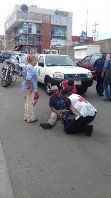 Atropella vehículo a adulto mayor en la avenida Pedro de Lille