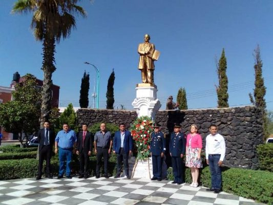 Se realiza Guardia de Honor en la plaza Juárez, en honor de Benito Juárez