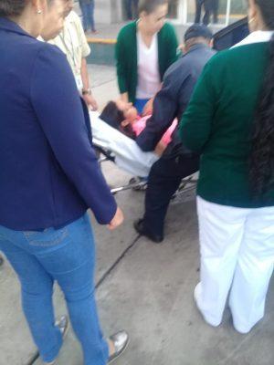 Mujer da a luz en vehículo particular, fue asistida por un elemento de transito