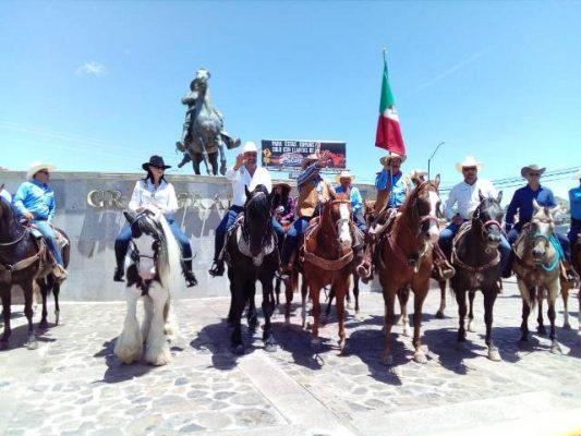 Rinden homenaje al general Francisco Villa en la glorieta ubicada en la parte alta de la avenida independencia