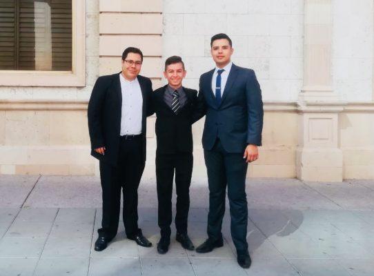 Ganan 4 parralanses Debate Juvenil estatal