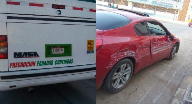Choque lateral entre camión urbano y particular