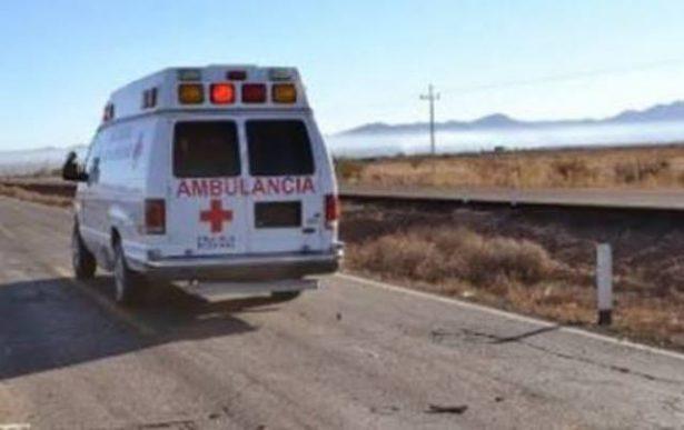 Se impacta vehículo particular contra camión metalero sobre la carretera Parral-Santa Bárbara