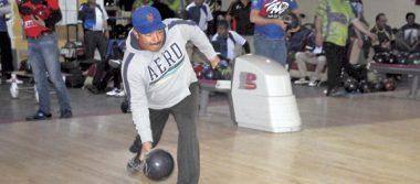 El campeón Zaak Pinturas, invicto en boliche de Los Lunes