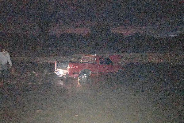 Rescataron a padre e hija atrapados en el lecho del río