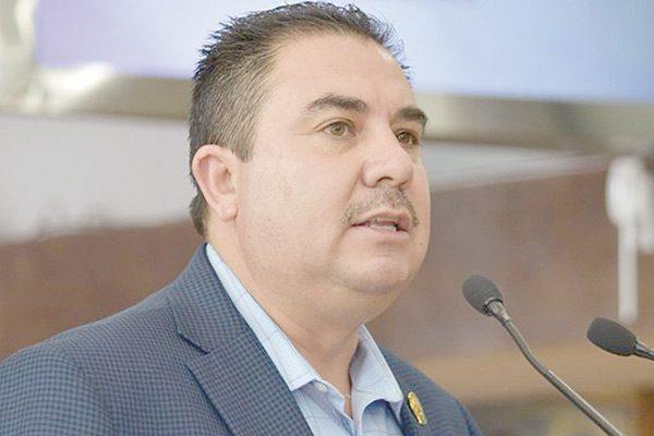 Propone Parga un fondo de ahorro para retiro de policías