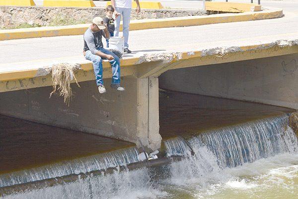 Pescador urbano; calla para que el río hable… ya lleva 12 Mojarritas