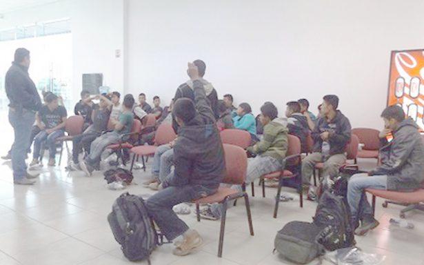 Detienen a 76 migrantes centroamericanos